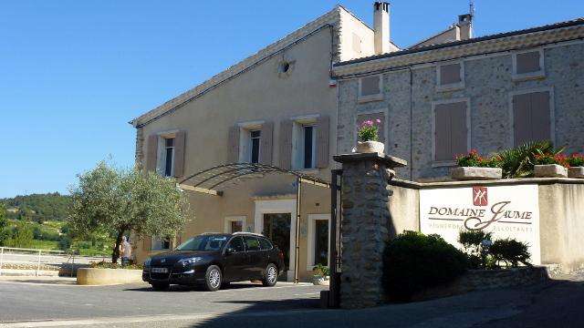 Bouteilles personnalisées - Domaine Jaume, Vinsobres (26), Vallée du Rhône.