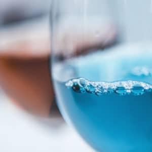 verre vin bleu